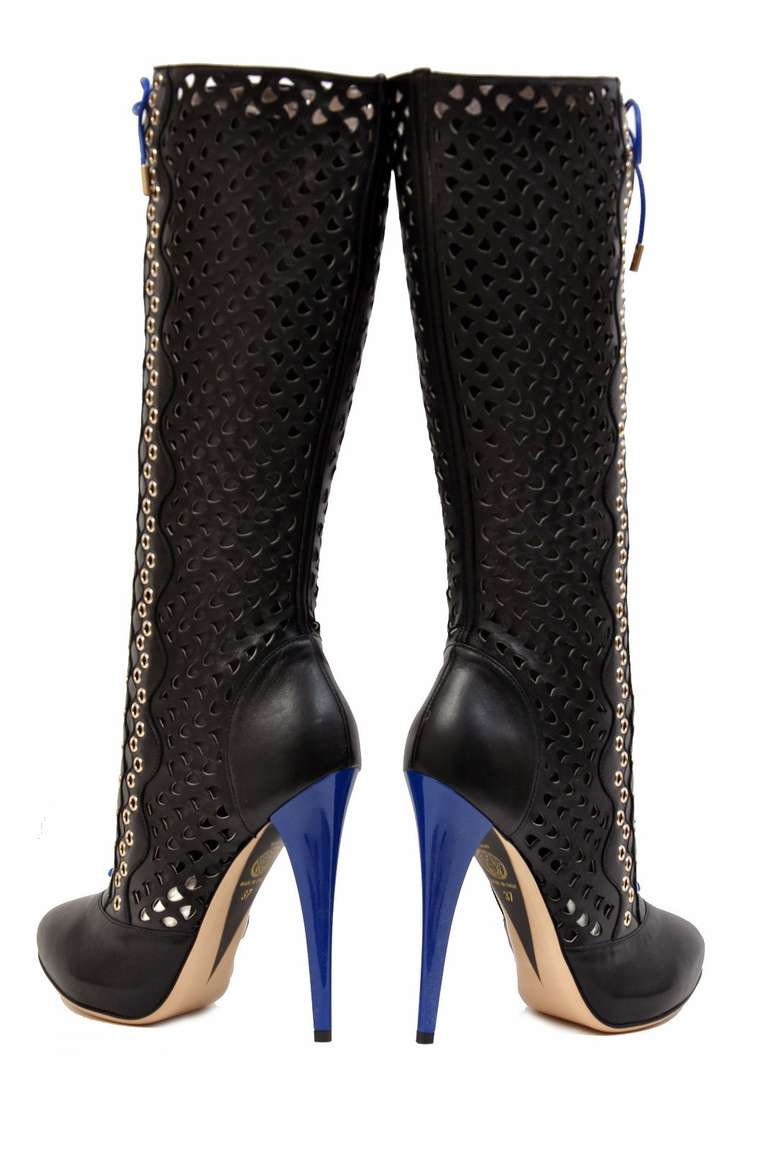 New VERSACE BLACK PERFORATED LEATHER PLATFORM BOOTS In New Condition For Sale In Montgomery, TX