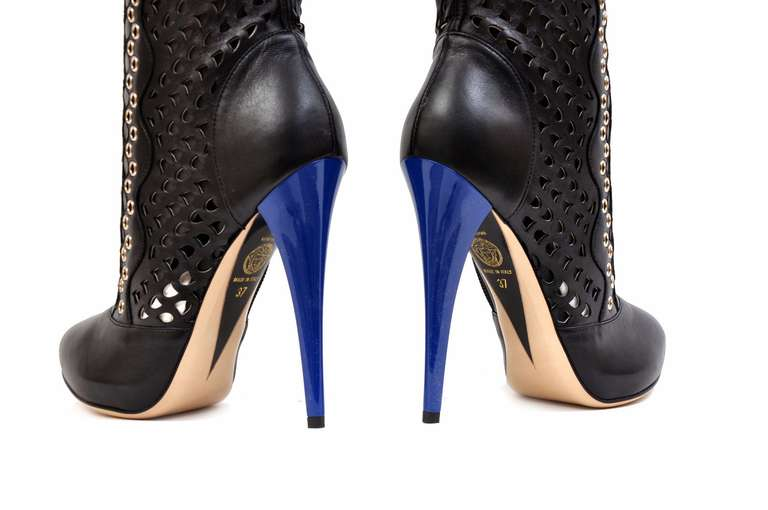 Women's New VERSACE BLACK PERFORATED LEATHER PLATFORM BOOTS For Sale