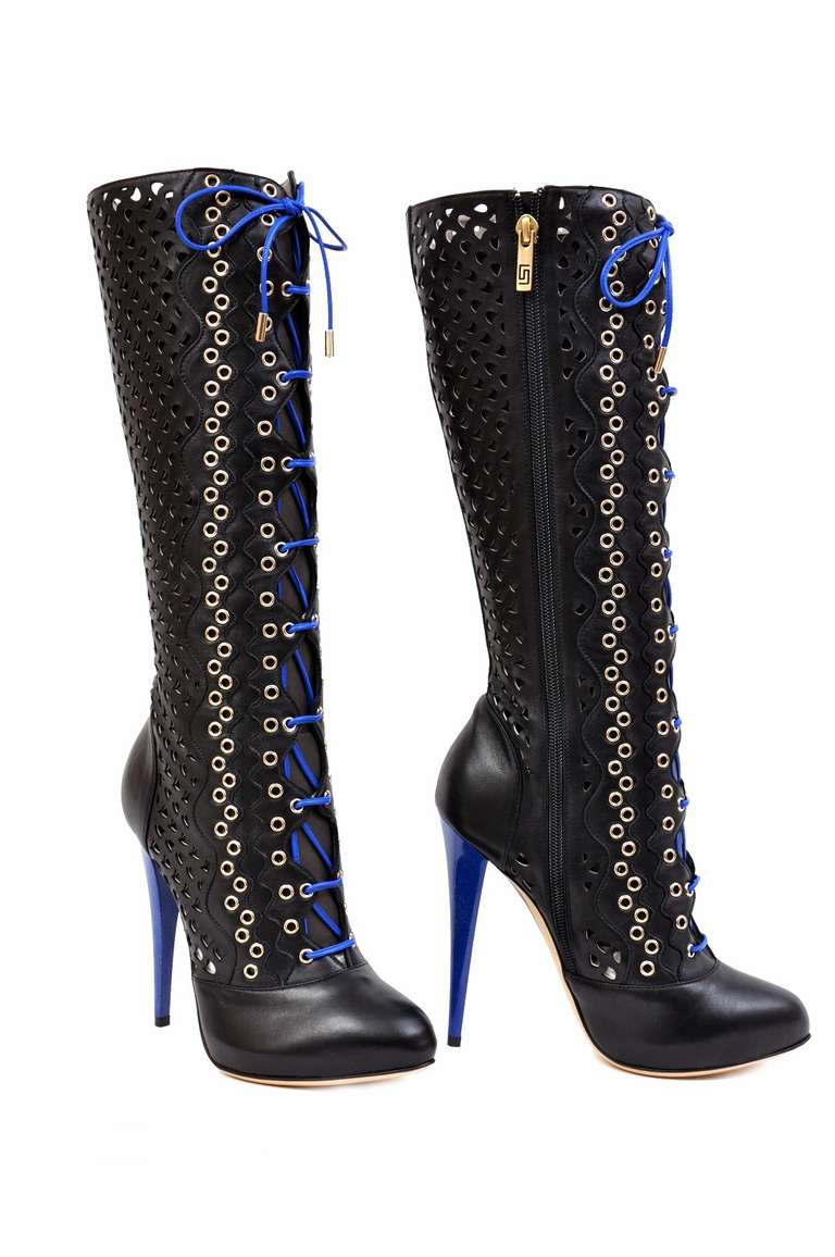 New VERSACE BLACK PERFORATED LEATHER PLATFORM BOOTS For Sale 1