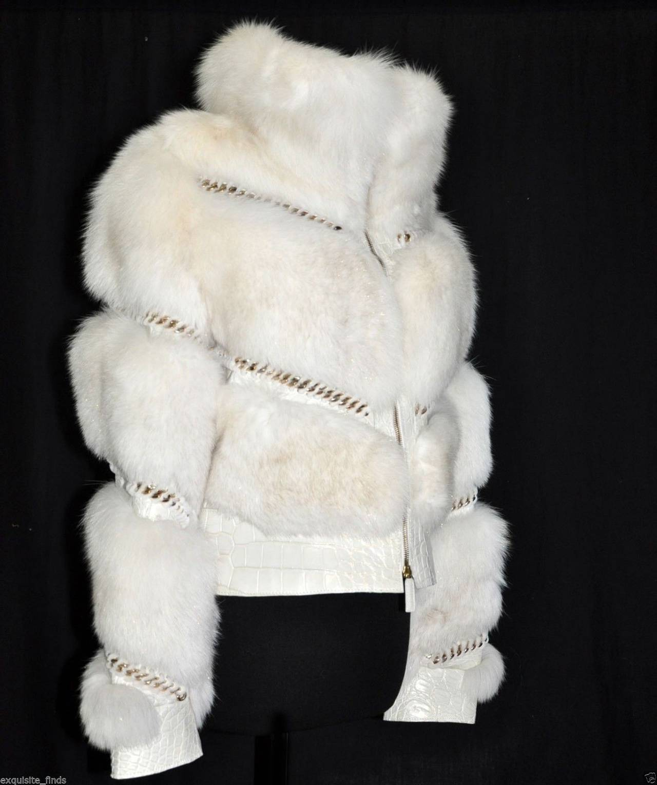Gucci Pearl Fox Fur and Crocodile Jacket In New never worn Condition For Sale In Montgomery, TX