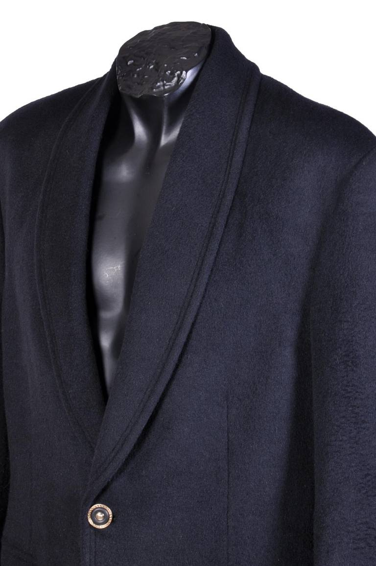 New VERSACE BLACK ANGORA CASHMERE WOOL MEN'S COAT In New Condition For Sale In Montgomery, TX