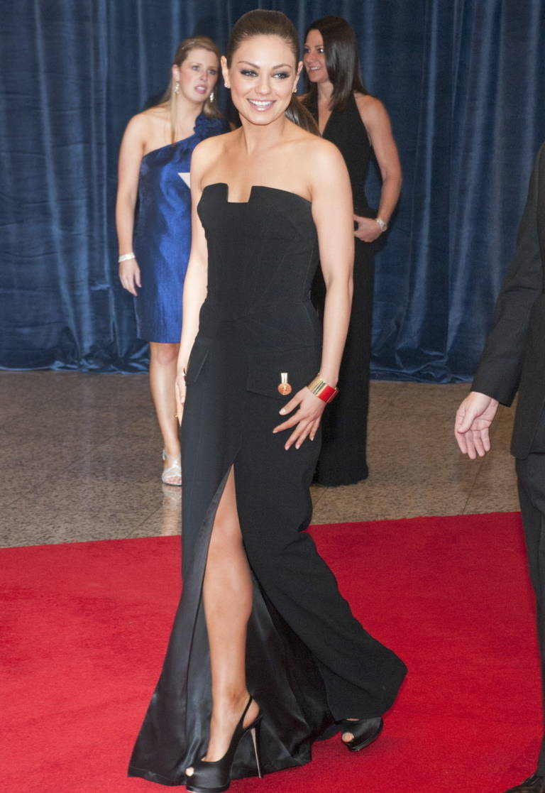 New VERSACE Black Long Dress Mila Kunis wore on the red carpet For ...