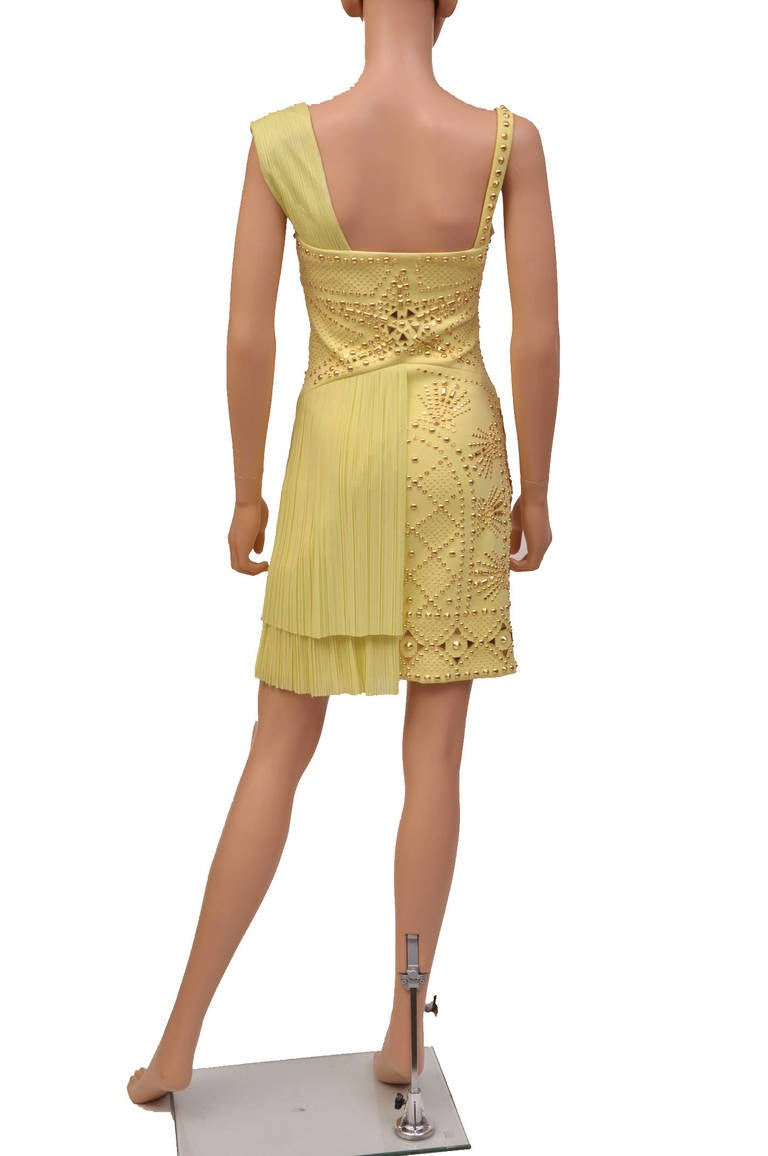 VERSACE Yellow studded plissé and scuba-jersey dress For Sale 2