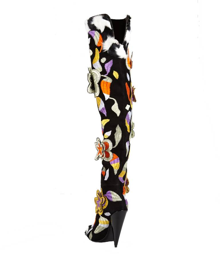 TOM FORD 2D Floral Embroidered Over-the-Knee Boots In New never worn Condition For Sale In Montgomery, TX