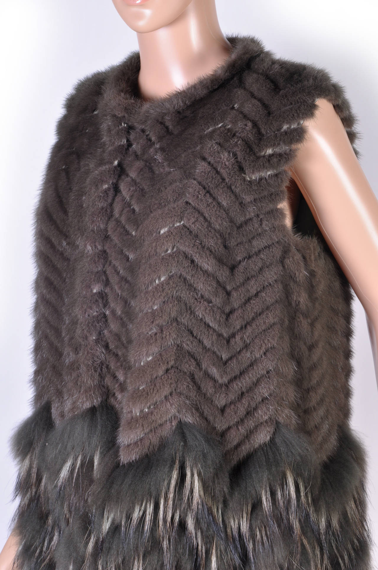 New Versace Mink & Finn Raccoon Fur Sleeveless Coat In New Never_worn Condition For Sale In Montgomery, TX