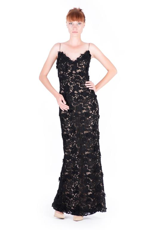 Women's or Men's  Best Met Ball dress of all time Oscar de la Renta black lace gown  For Sale