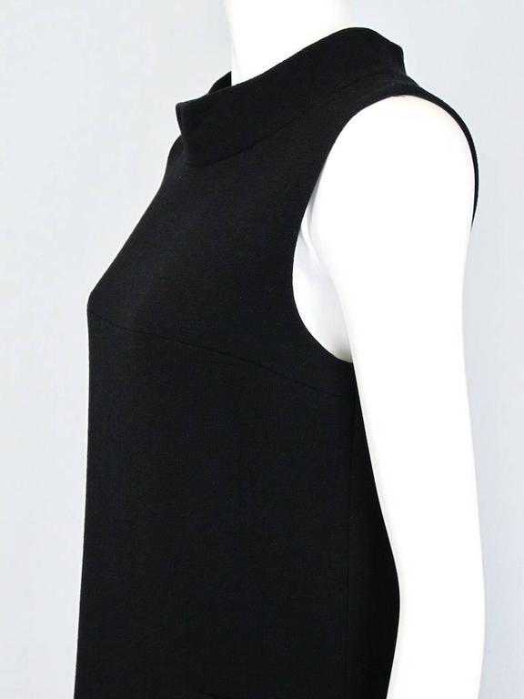 Oscar De La Renta Black Wool Cocktail Dress with Gem Embroidery size 6 8
