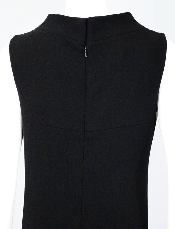 Oscar De La Renta Black Wool Cocktail Dress with Gem Embroidery size 6 9
