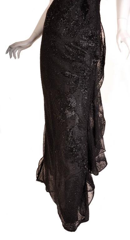 S/S 1999 VERSACE ATELIER RUNWAY BLACK BEADED GOWN WORN by CARMEN KAAS For Sale 4