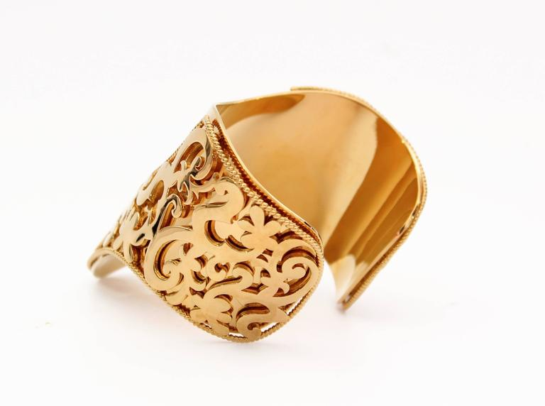 New VERSACE 24K Gold Plated Metal Cuff Bracelet  3