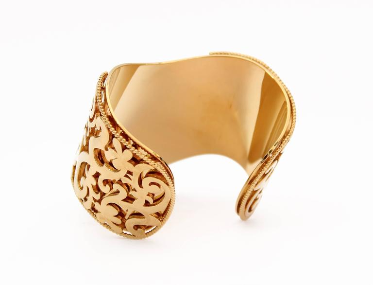 New VERSACE 24K Gold Plated Metal Cuff Bracelet  5