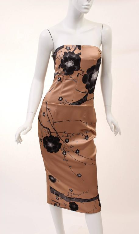 Women's New TOM FORD PINK CHERRY BLOSSOM SEQUINS EMBROIDERED PRINT ASYMMETRIC WING DRESS For Sale