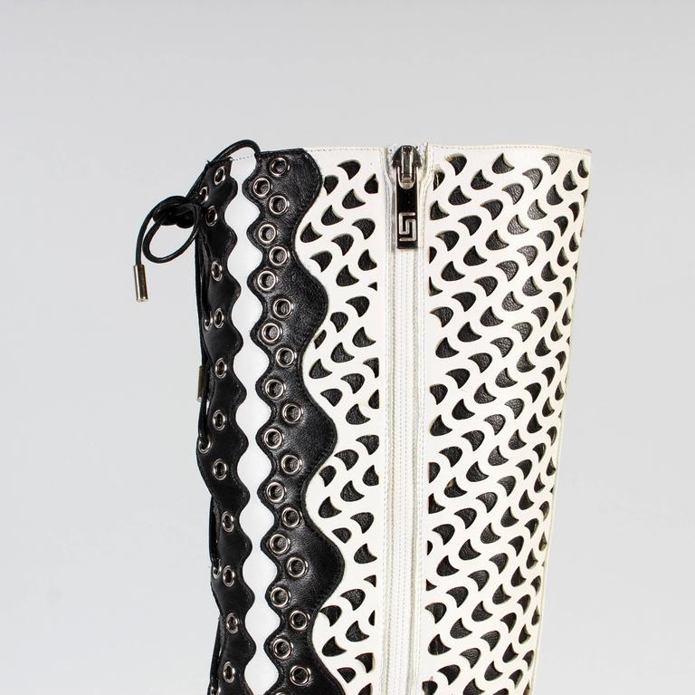 Women's VERSACE WHITE PERFORATED LEATHER PLATFORM BOOTS sz 40 For Sale