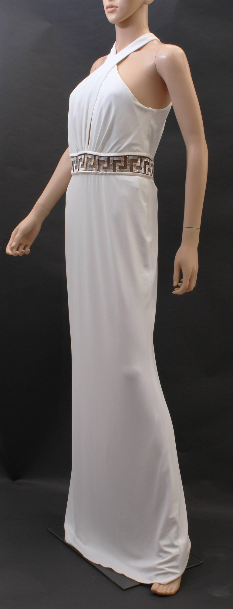 Versace Crystal Embellished white gown In New Never_worn Condition For Sale In Montgomery, TX