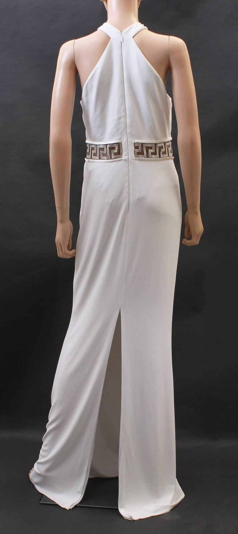 Women's Versace Crystal Embellished white gown For Sale