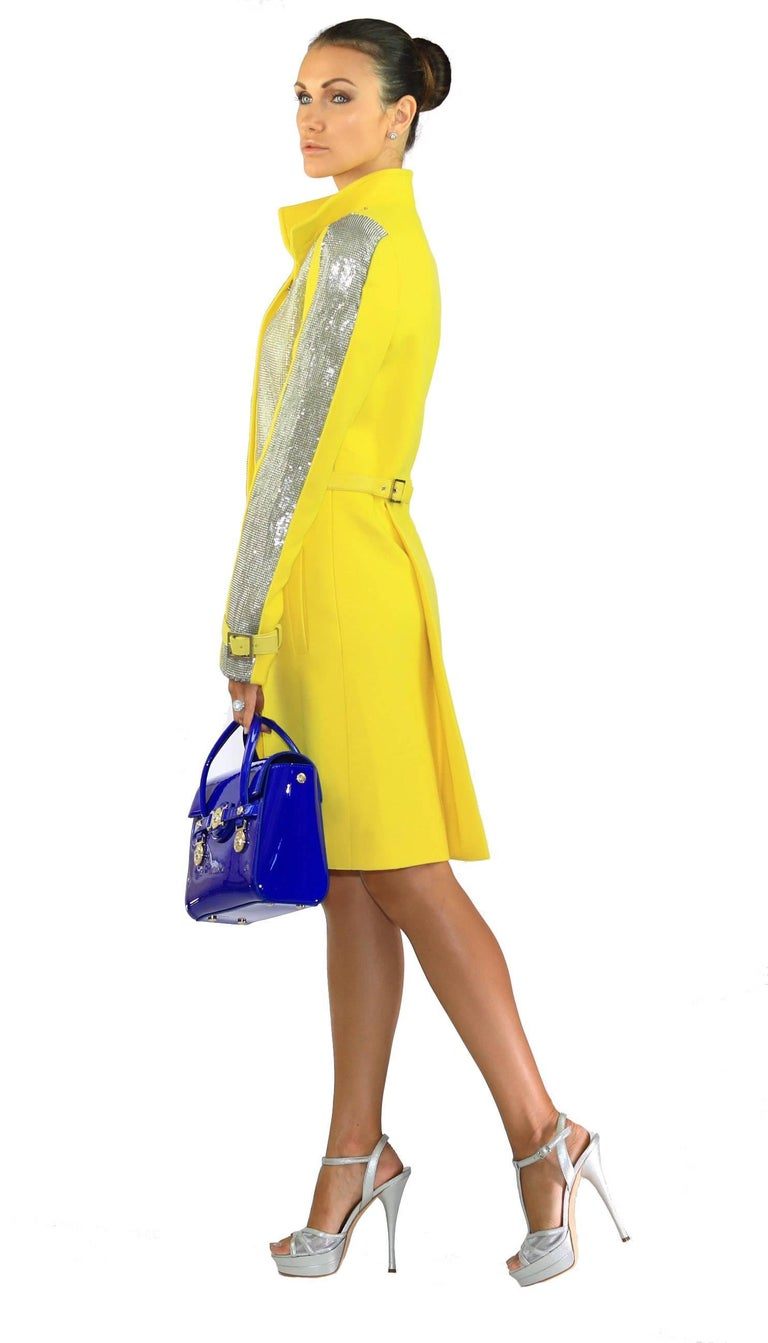 New VERSACE Chain Mesh Placket Coat in Yellow In New never worn Condition For Sale In Montgomery, TX