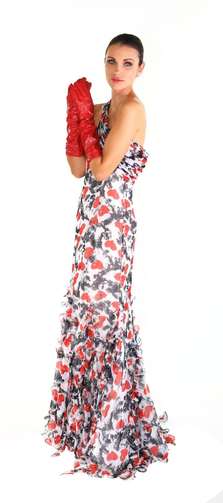 S/S 2011 Look # 50 OSCAR de la RENTA HEART PRINT GOWN 3