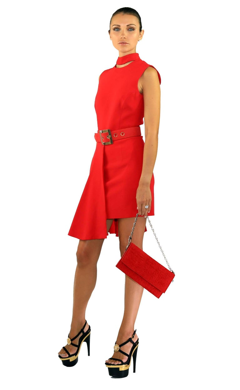 New VERSACE RED SILK DRESS with BELT and CLUTCH BAG In New never worn Condition For Sale In Montgomery, TX