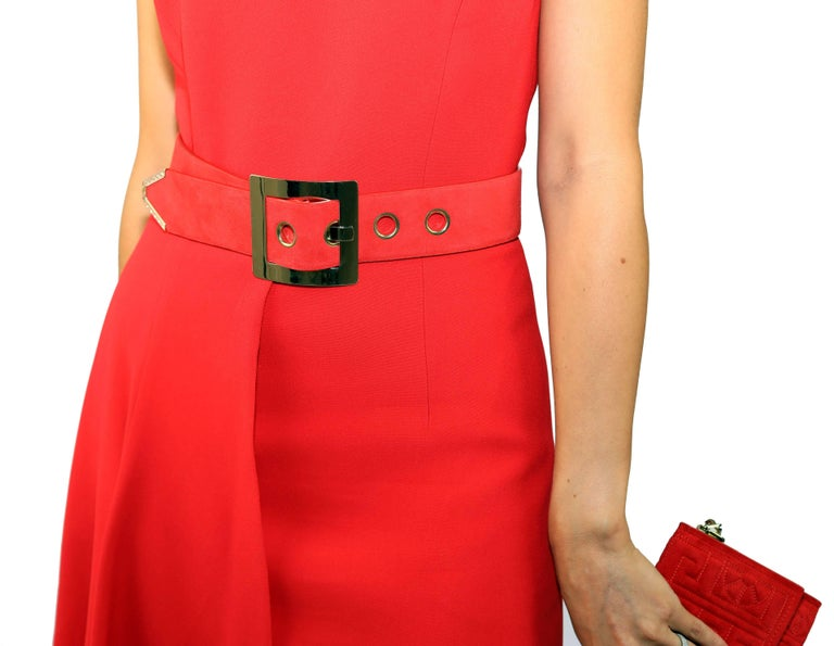 New VERSACE RED SILK DRESS with BELT and CLUTCH BAG For Sale 2