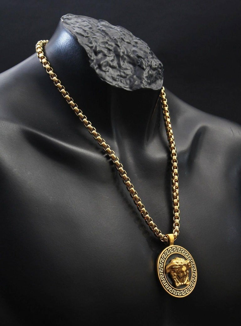 7f7d109f10 Versace Gold Medusa Medallion Chain Necklace as worn by Bruno Mars For Sale  2