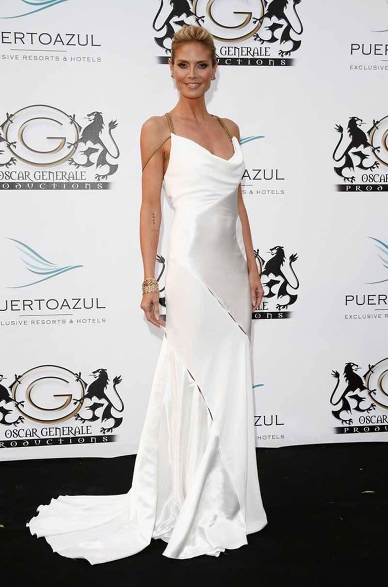 Gray F/W 2014 VERSACE RUNWAY FINALEE WHITE GOWN Size 38 For Sale