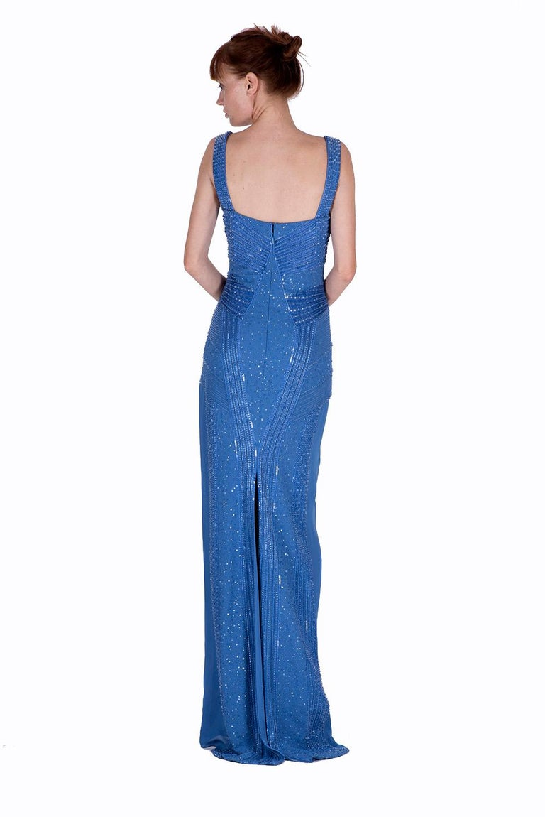 New Versace fully beaded embellished blue gown dress Size 44 - 8 In New Condition For Sale In Montgomery, TX