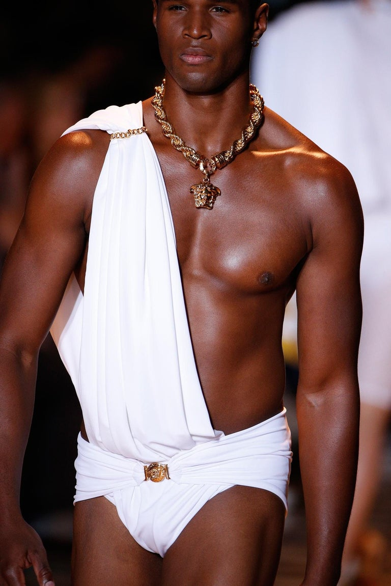 New Versace Runway 24K Gold Plated Medusa Chain Necklace as seen on Bruno Mars For Sale 9