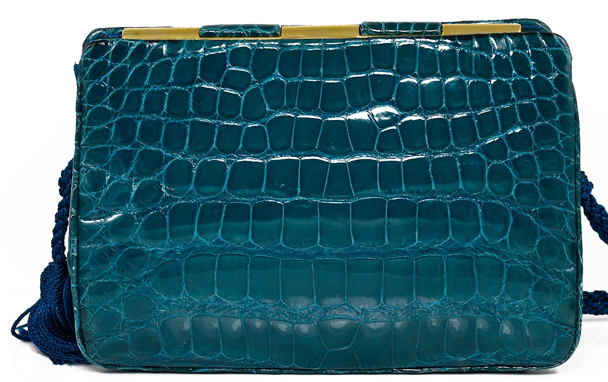 Women's Gorgeous Judith Leiber Green Alligator Clutch Bag For Sale