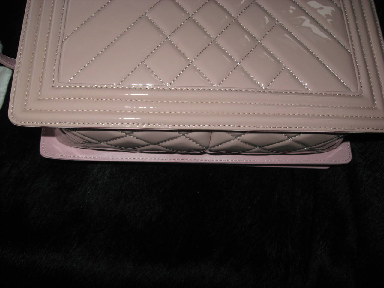 Chanel Pink Patent Leather Medium Chevron Quilted Boy Bag For Sale 3
