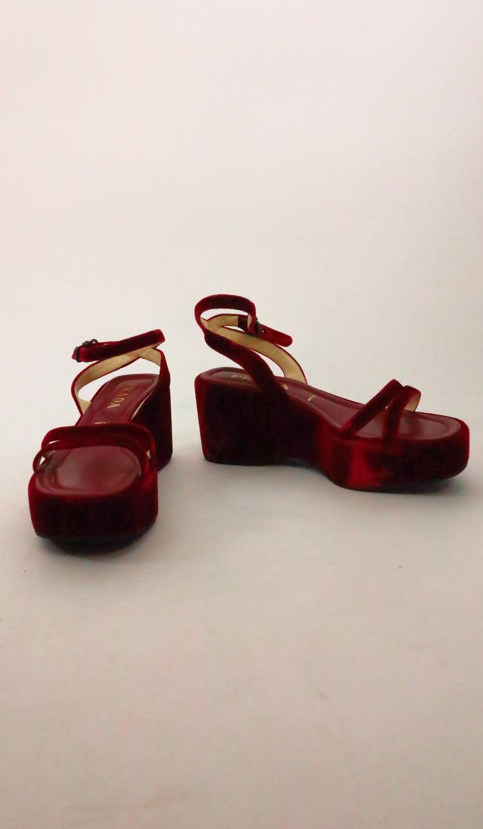 Prada red velvet platfrom sandals 39 2