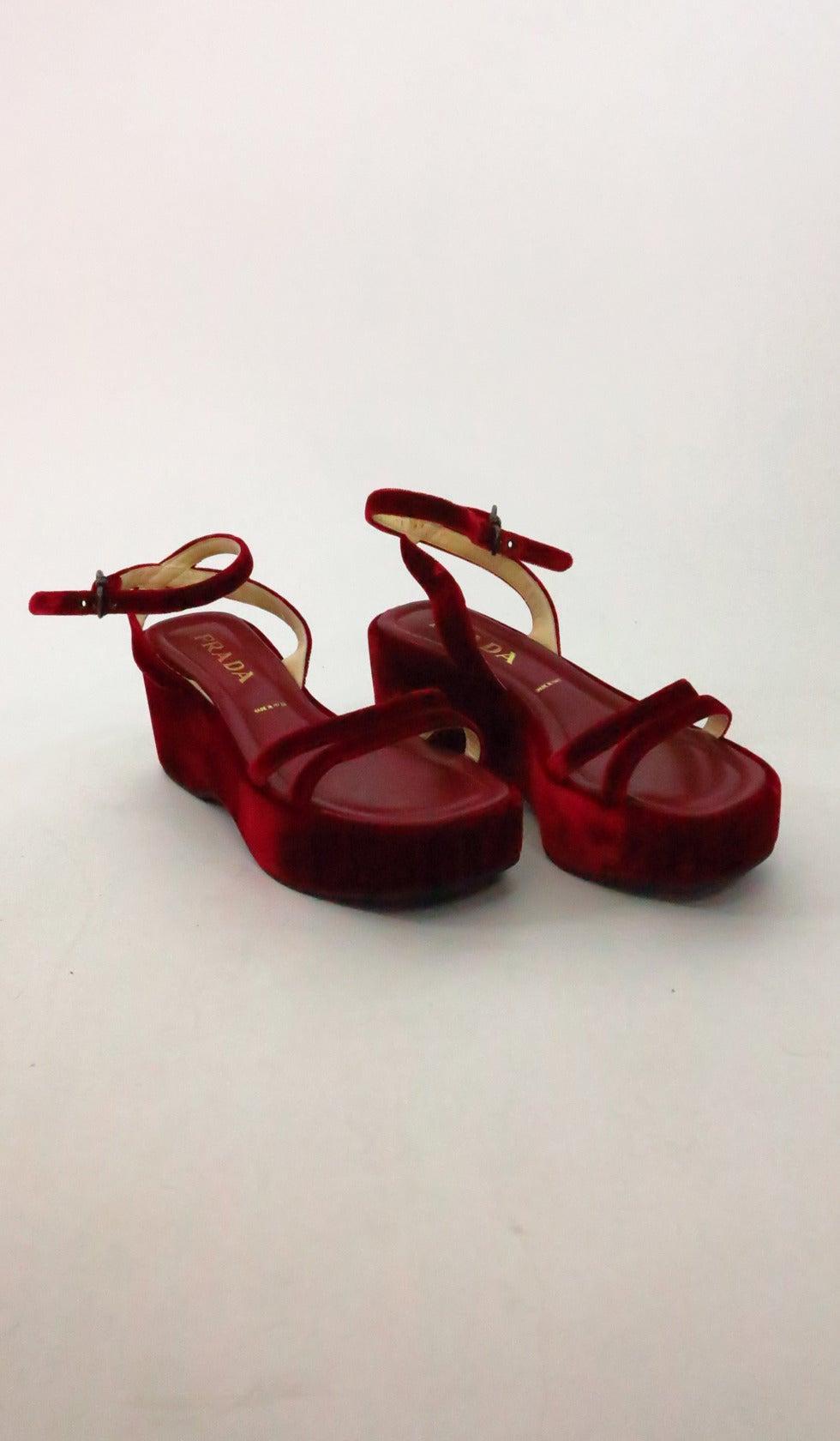 Prada red velvet platfrom sandals 39 4