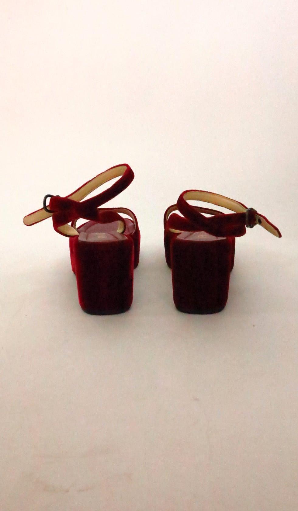 Prada red velvet platfrom sandals 39 7