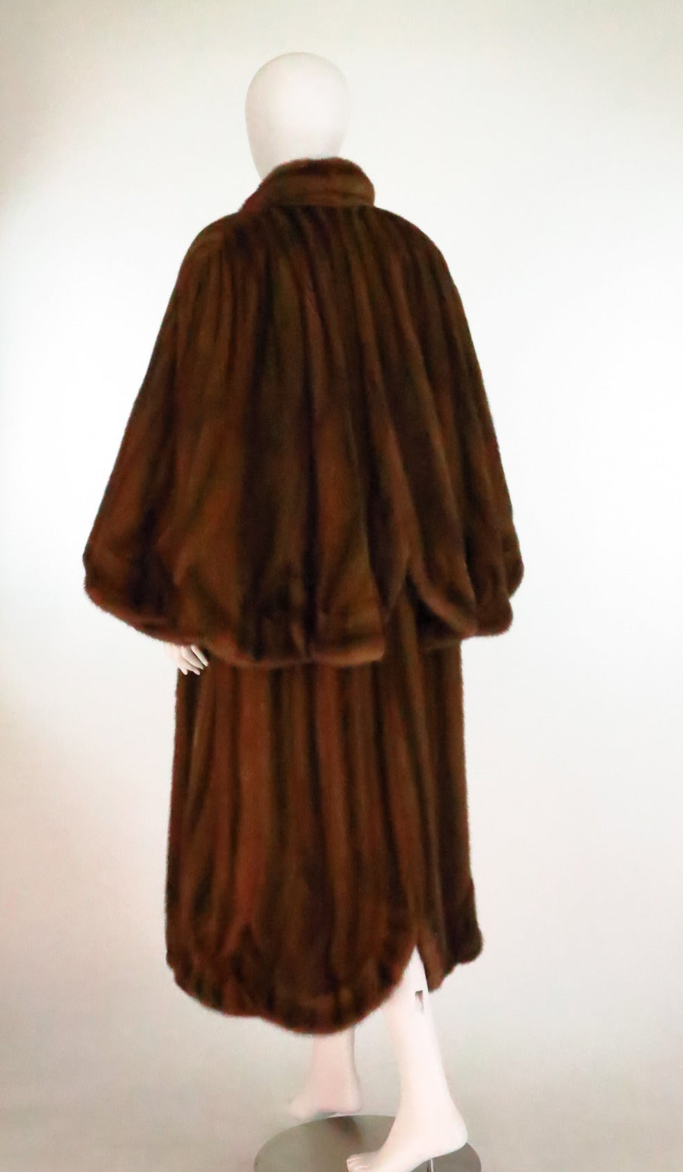 1950s Deep cape back mink coat with scalloped hem 7