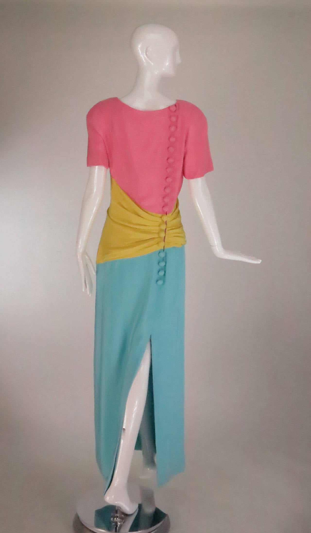 Women's 1980s Scaasi 40s inspired colour block gown For Sale