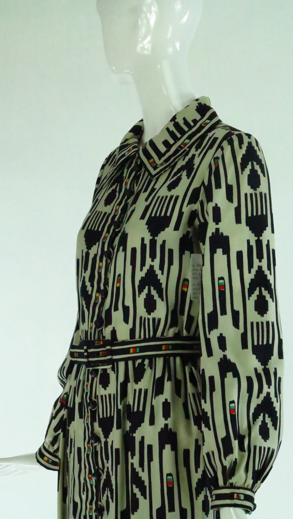1960s Donald Brooks silk twill ikat print tribal coat dress For Sale 3