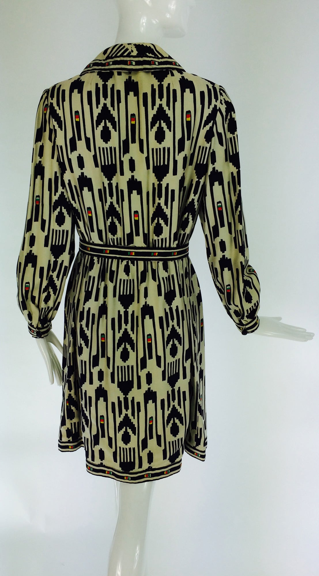 Women's 1960s Donald Brooks silk twill ikat print tribal coat dress For Sale