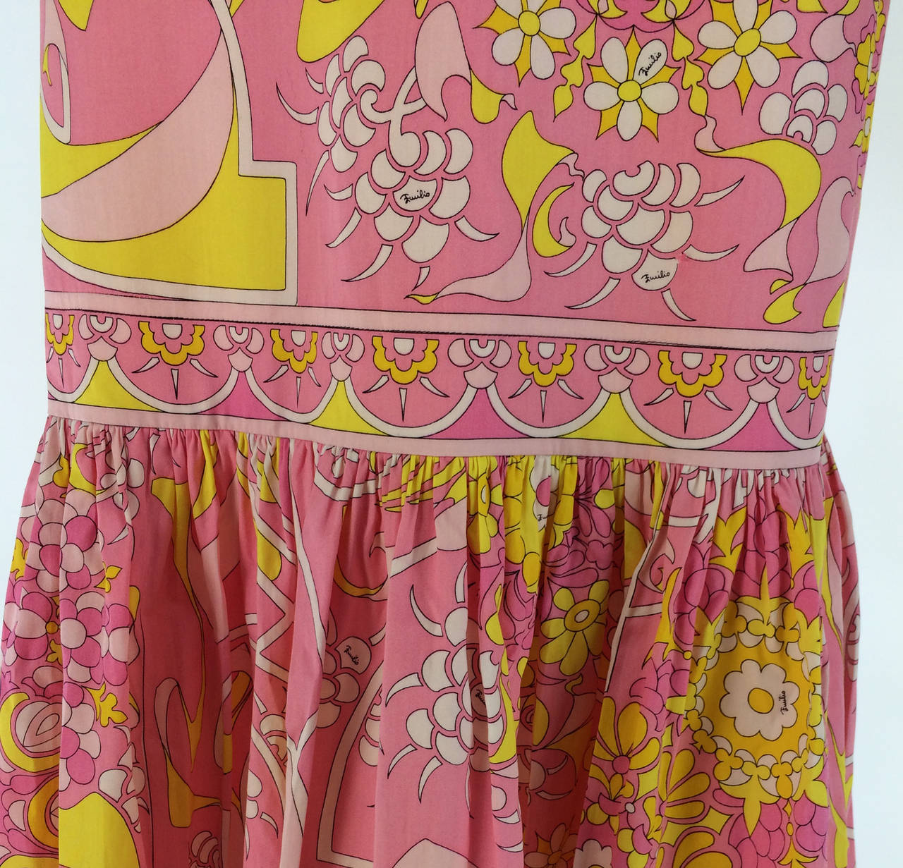 Emilio Pucci printed cotton maxi dress out of the ordinary design 1960s 3