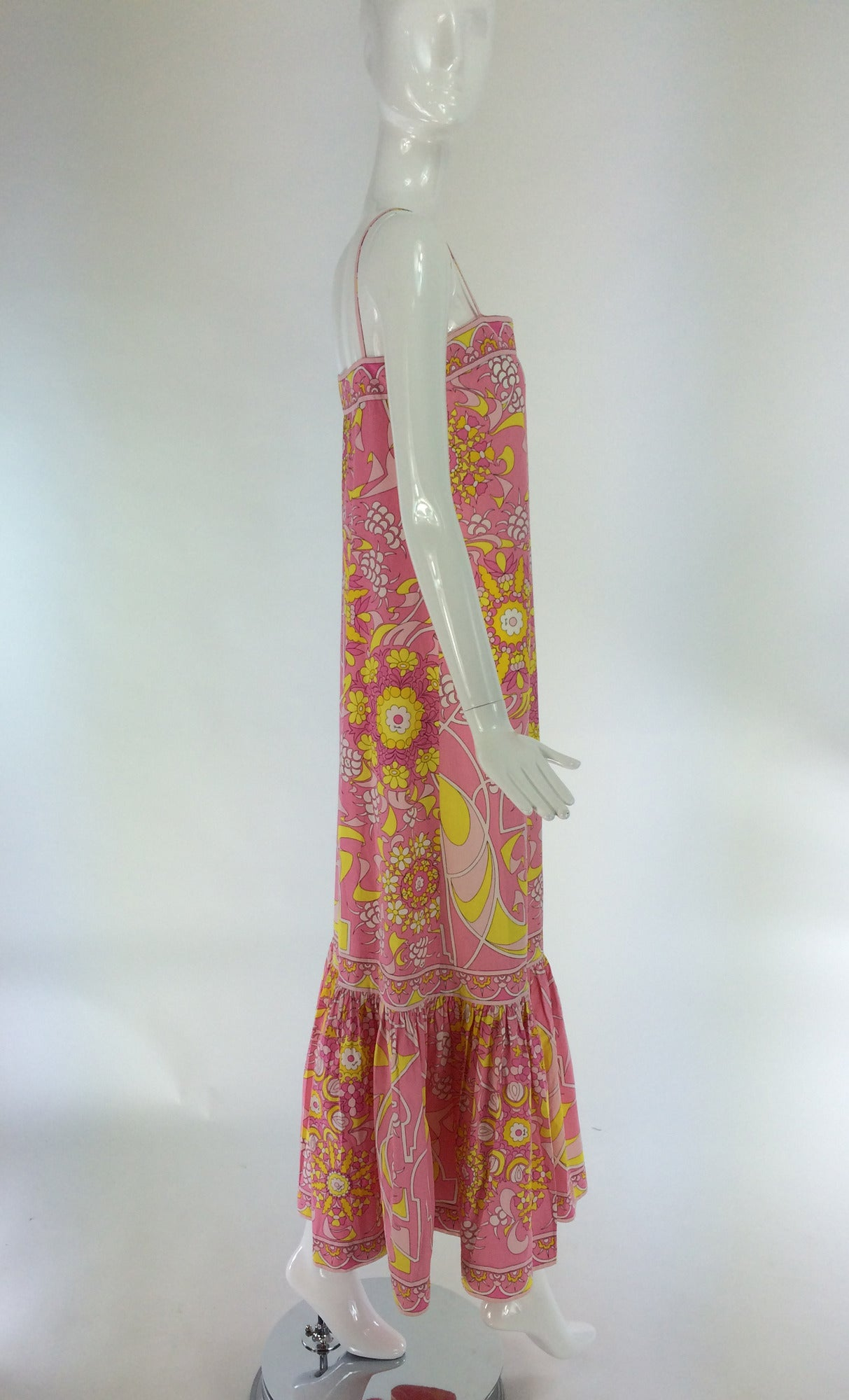 Women's Emilio Pucci printed cotton maxi dress out of the ordinary design 1960s For Sale