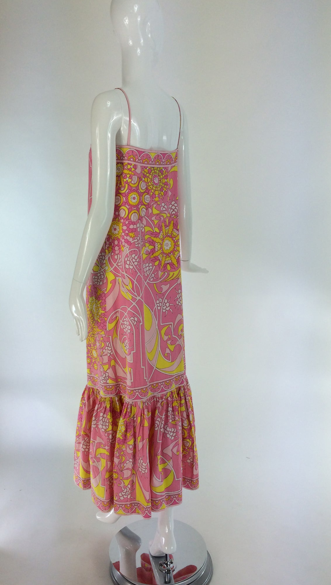Emilio Pucci printed cotton maxi dress out of the ordinary design 1960s For Sale 3