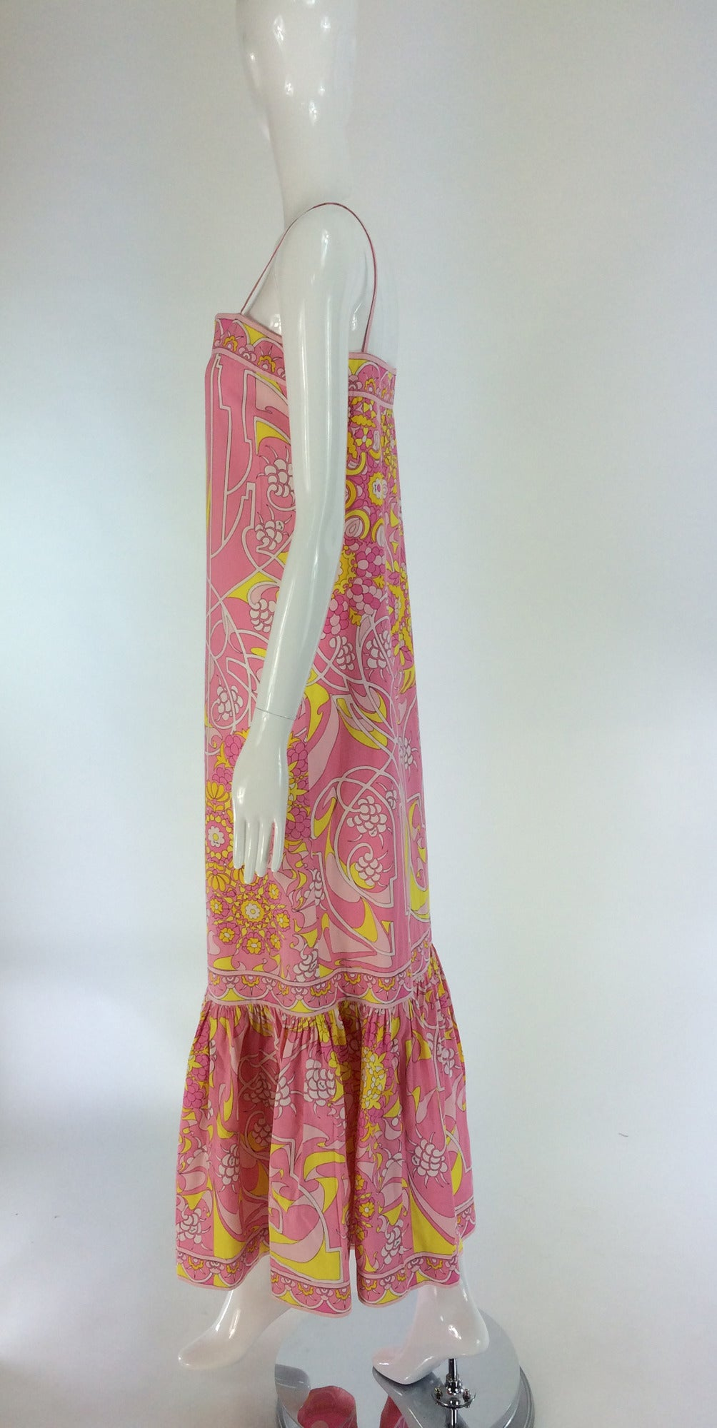 Emilio Pucci printed cotton maxi dress out of the ordinary design 1960s For Sale 4