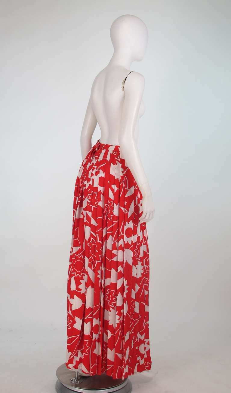 1970s Adolfo red & white floral silk pleated palazzo pants 4