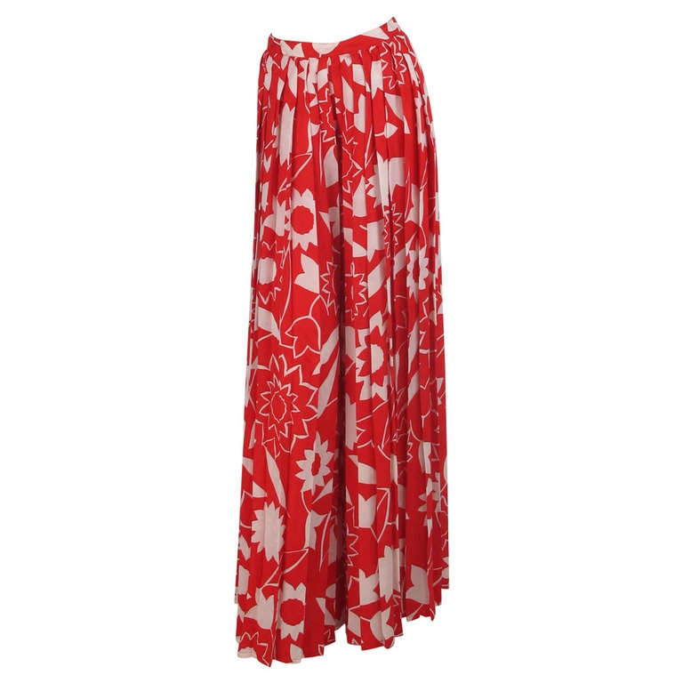 1970s Adolfo red & white floral silk pleated palazzo pants 1