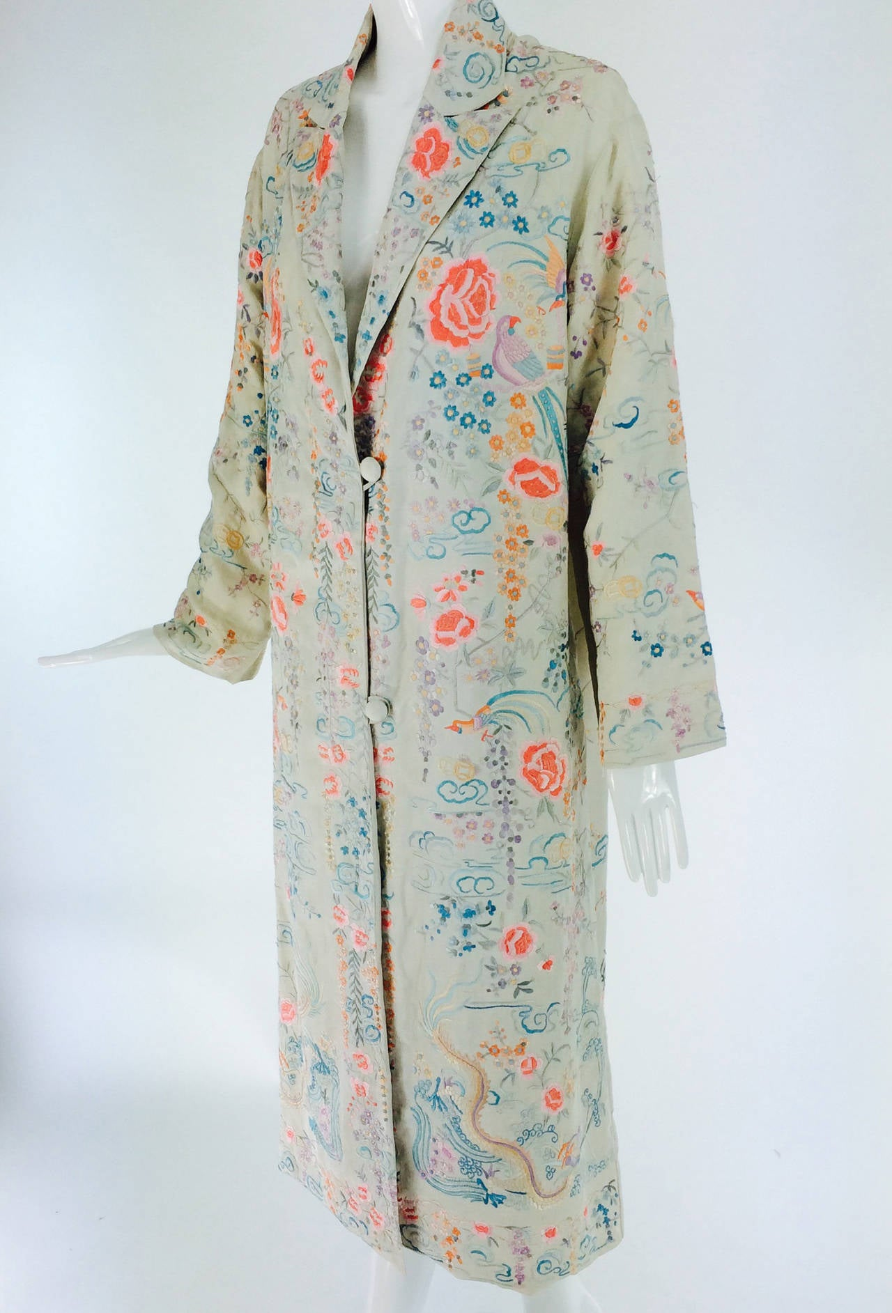 1920s Canton export ivory silk embroidered evening coat 10