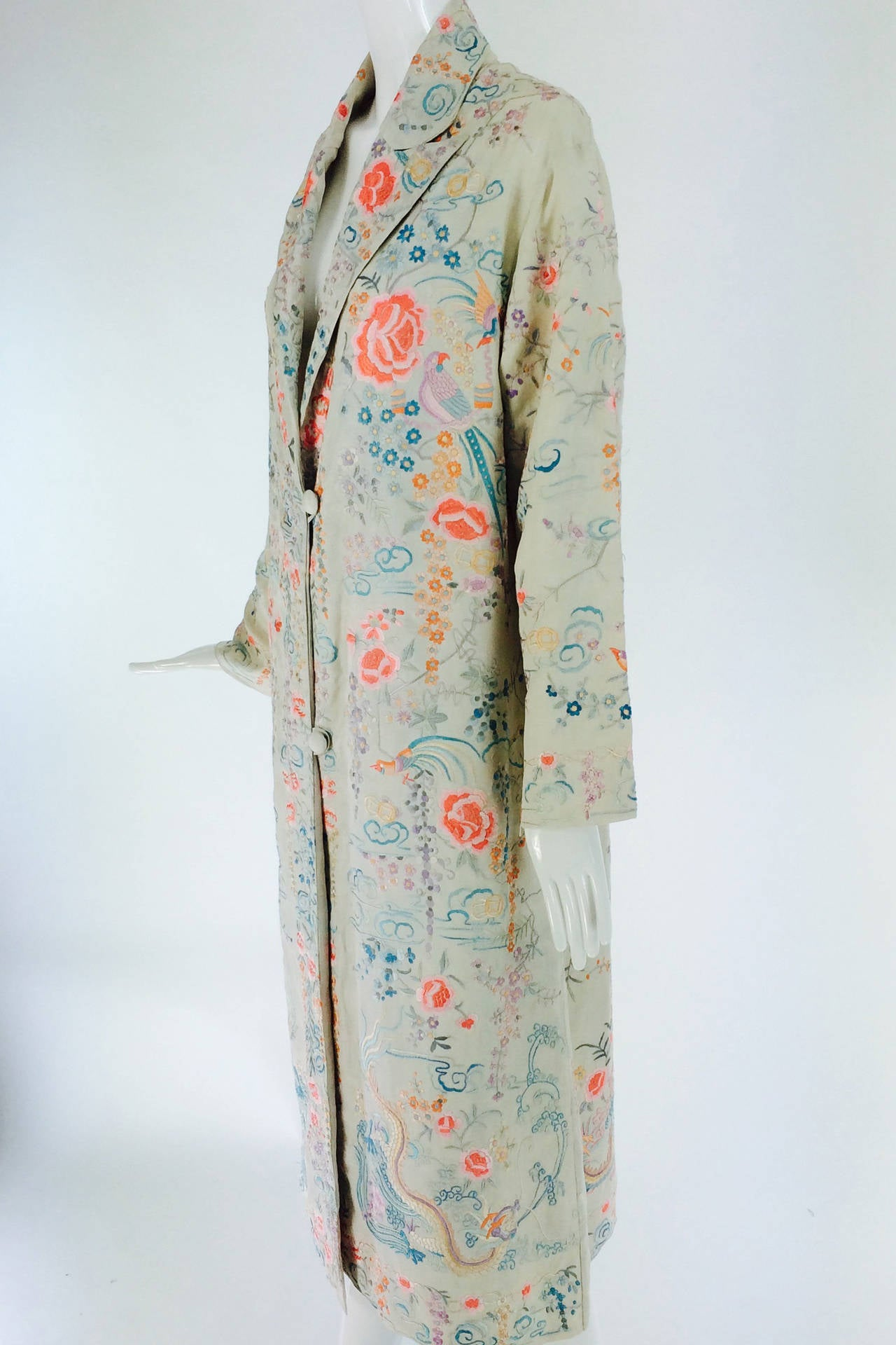 1920s Canton export ivory silk embroidered evening coat 9