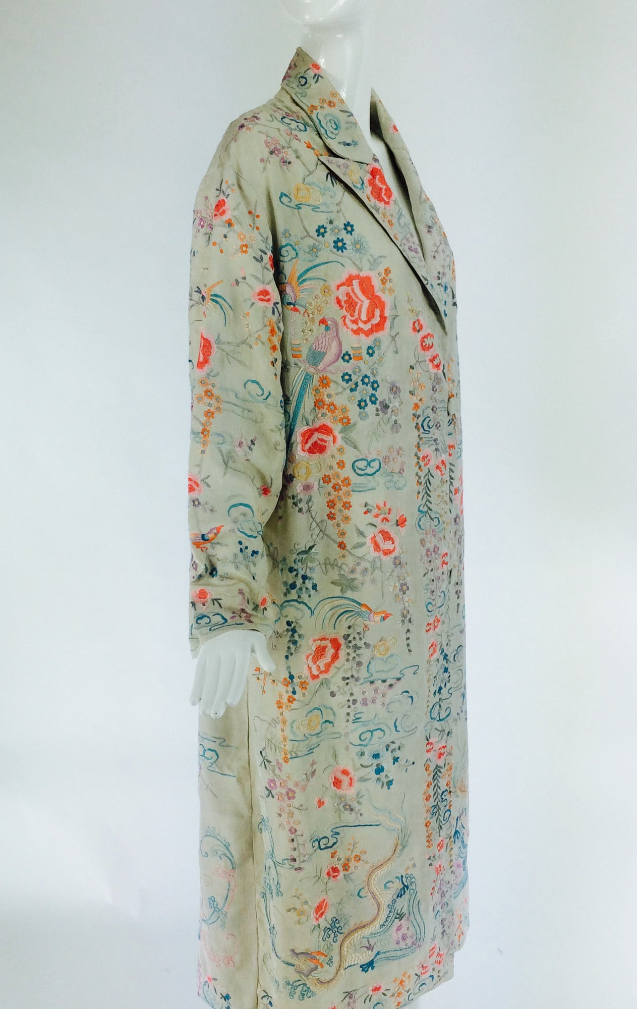 1920s Canton export ivory silk embroidered evening coat 4