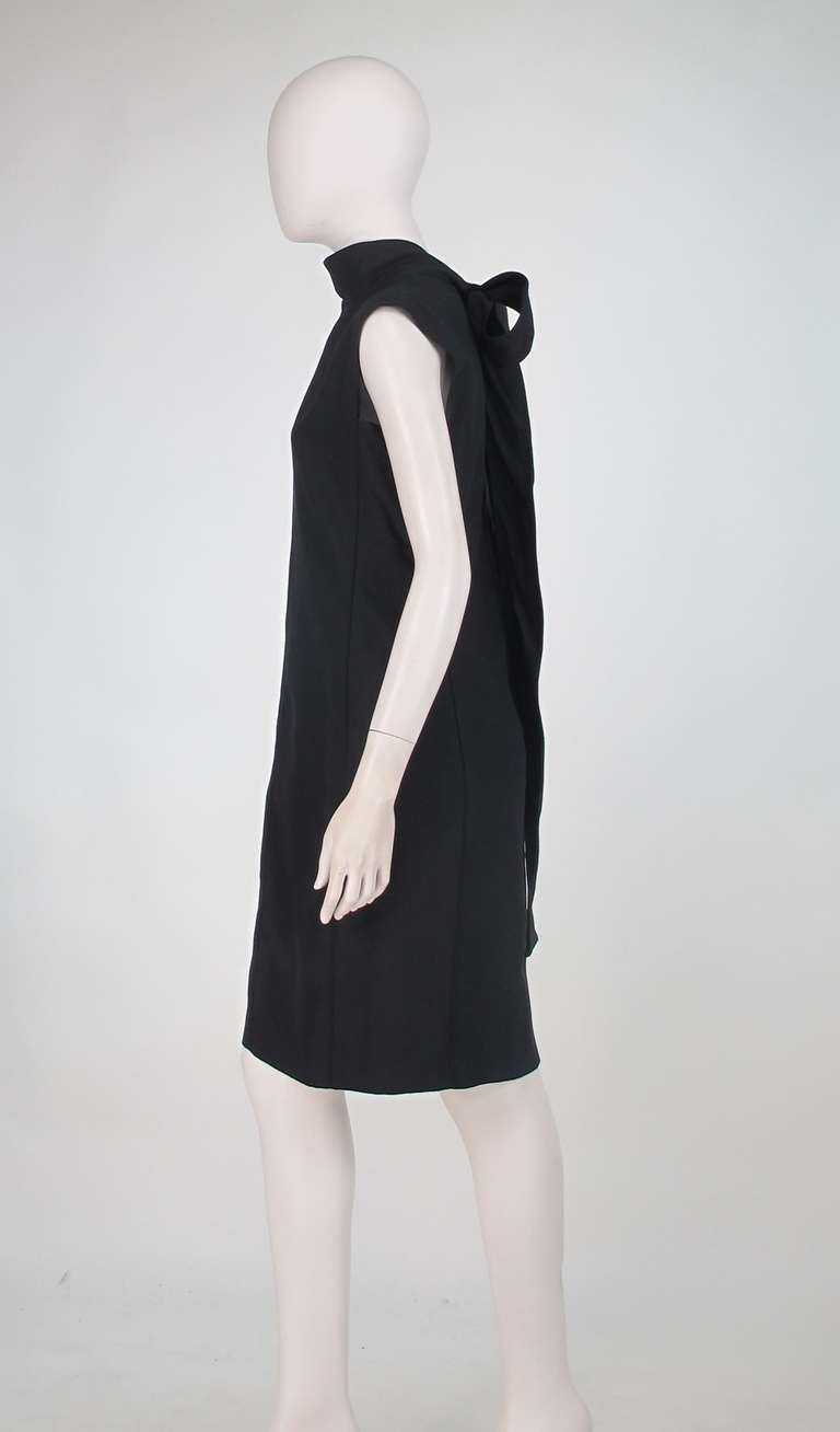 Yves St Laurent black silk bow back sheath dress In Excellent Condition For Sale In West Palm Beach, FL
