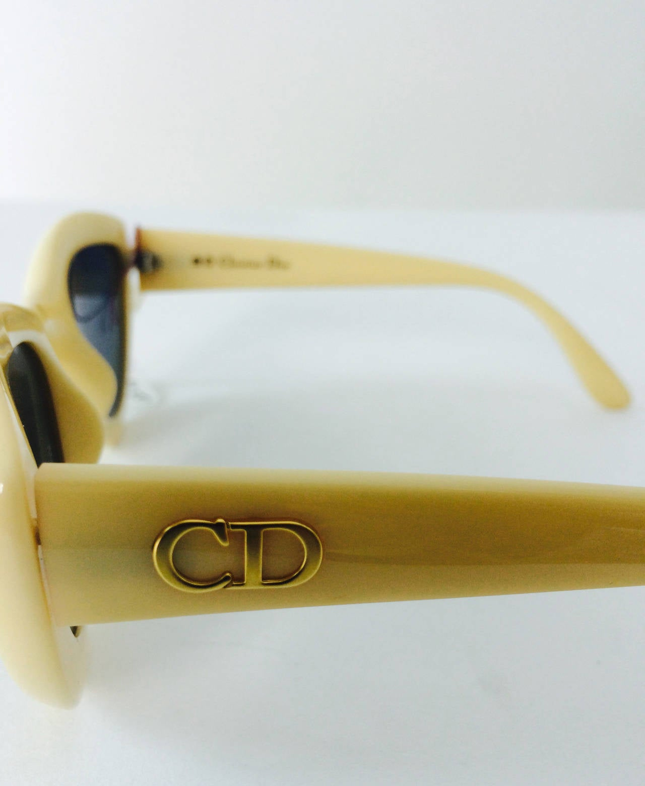 1970s Christian Dior sunglasses in ivory new with tags In New Never_worn Condition For Sale In West Palm Beach, FL