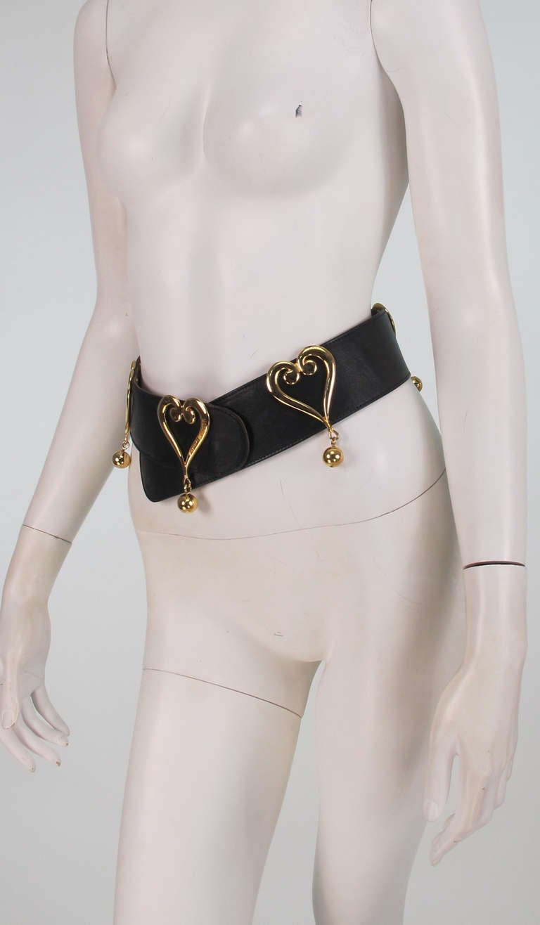 1980s Moschino Redwall leather hearts belt 4