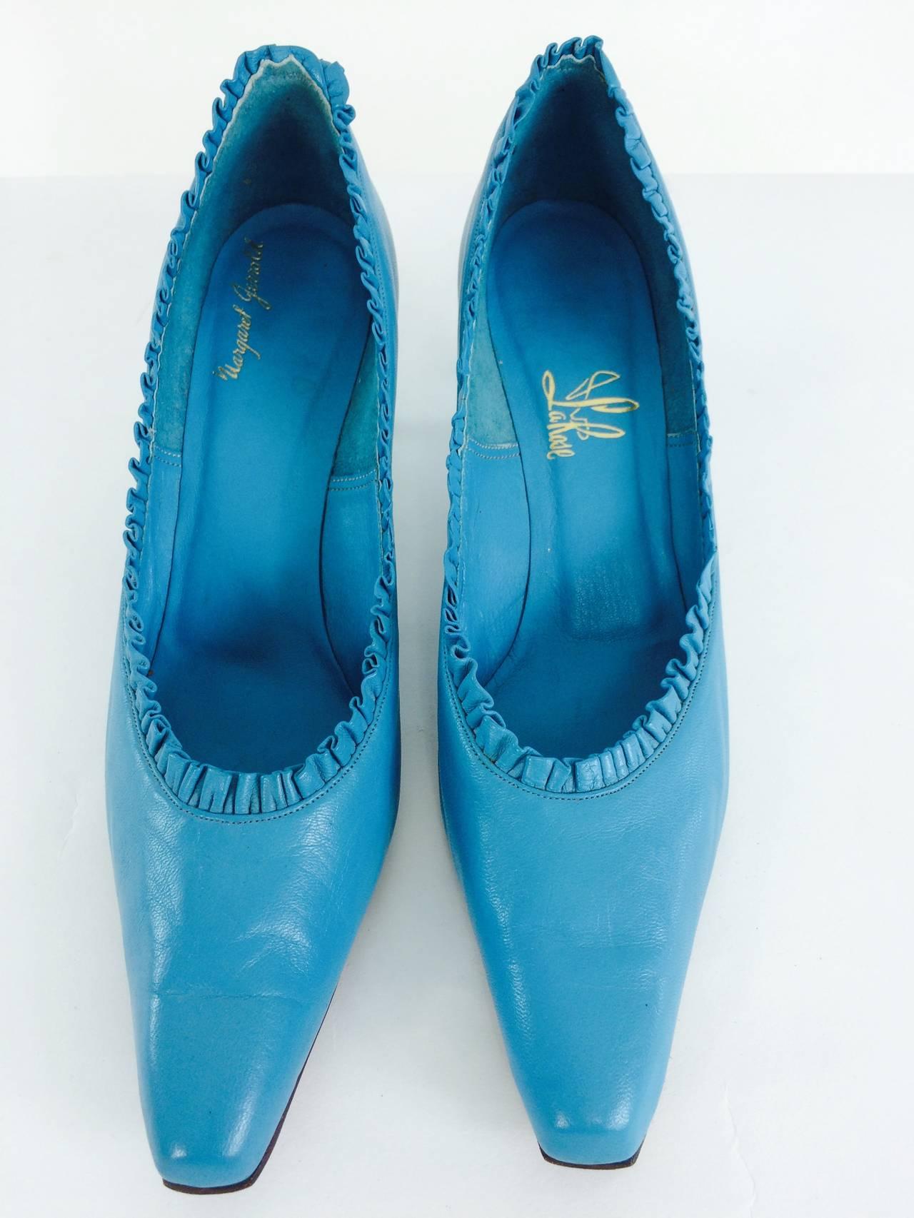 Margaret Jerrold turquoise Louis heel pumps  8 1/2 N unworn 1960s 2