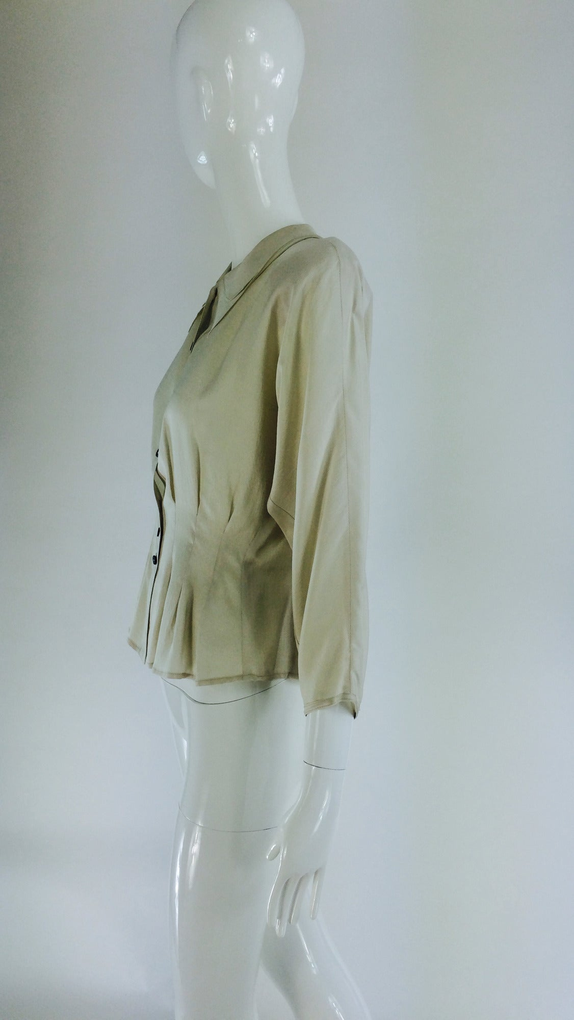 Jean Palant London bone textured silk draped back blouse For Sale 2